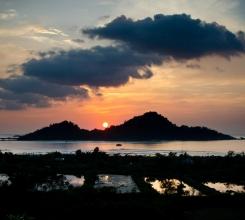 Sumatra Sunset 17140288985[H]