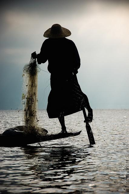 Burmese leg rower fisherman