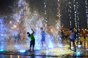 Fountain Boy Wowed