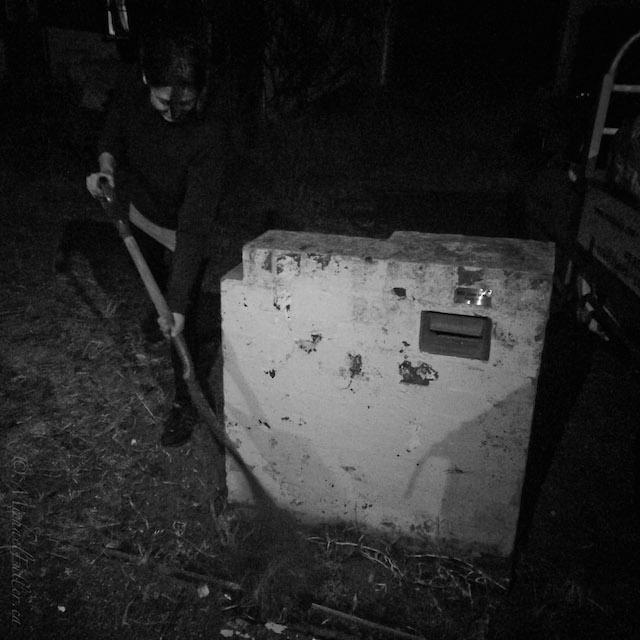 mailbox upright